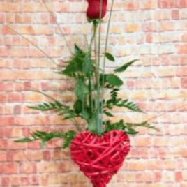 rosa en jarrón corazón RF 1597